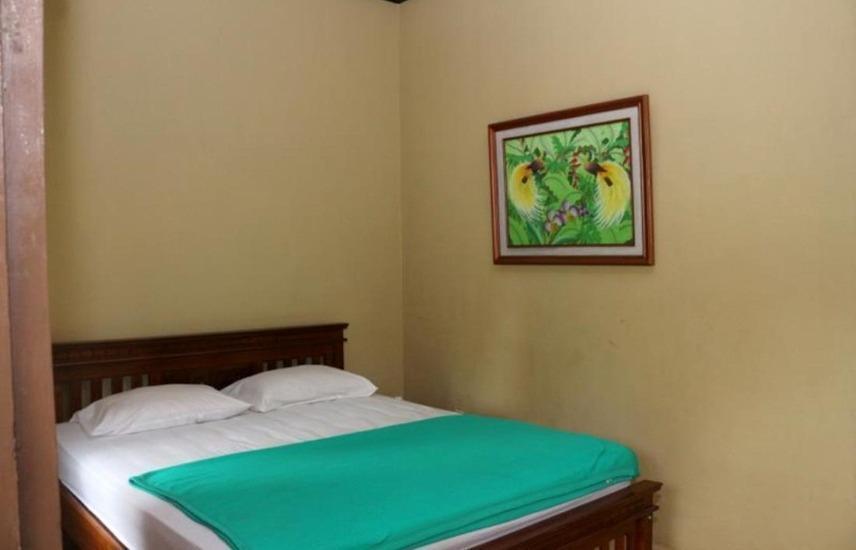 Ijen Resto and Guest House Banyuwangi - Kamar mawar
