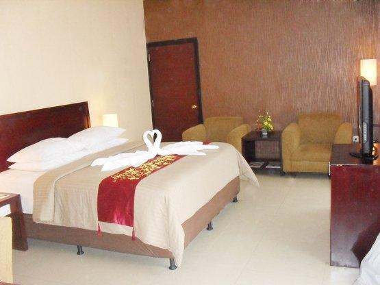 Hotel Gran Central Manado - (16/July/2014)
