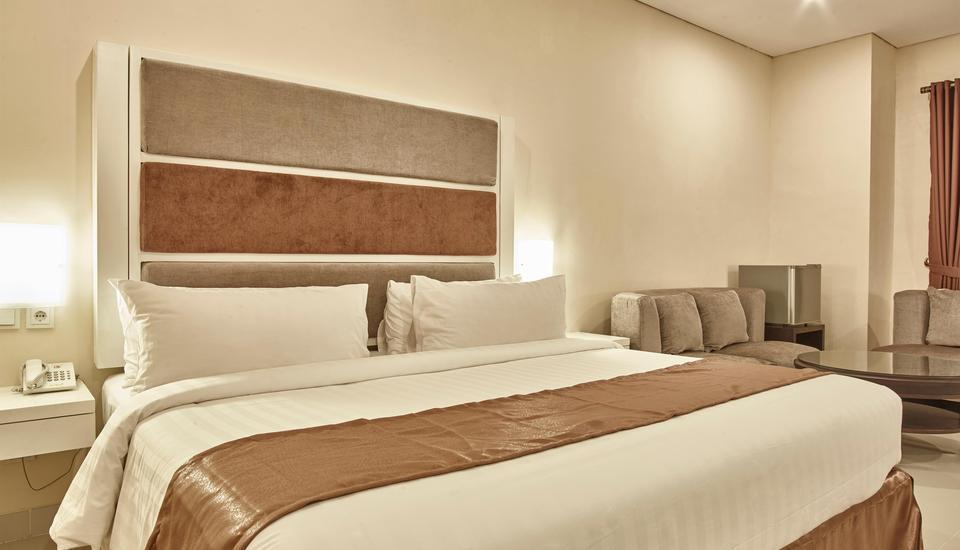 President Executive Club Cikarang - Executive Deluxe Room Only Regular Plan