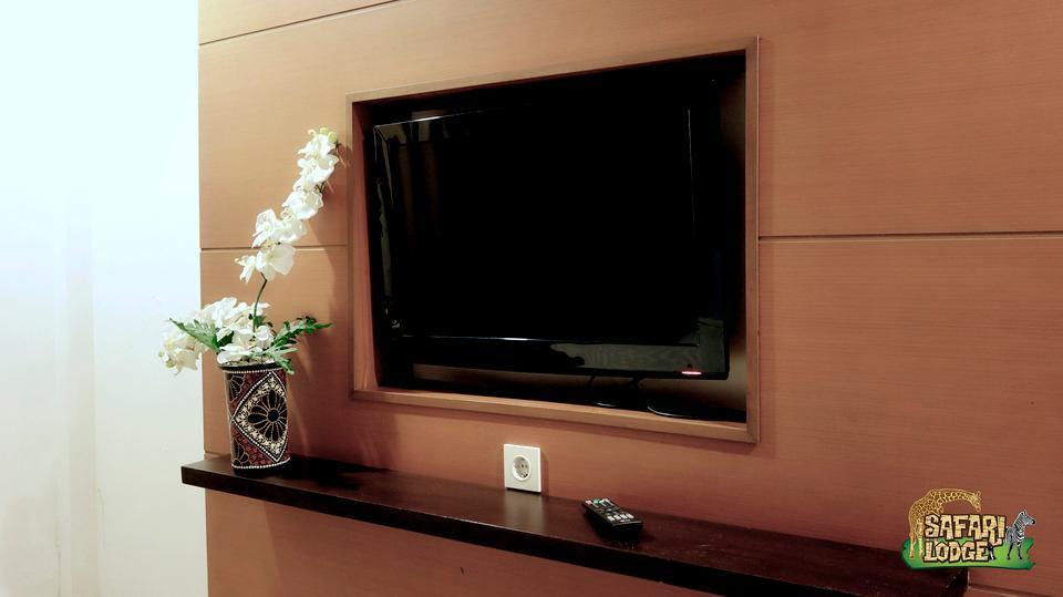 Taman Safari Lodge Cisarua - Television