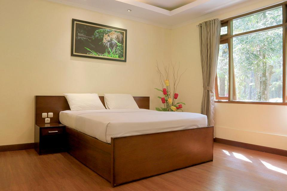Taman Safari Lodge Cisarua - Bedroom