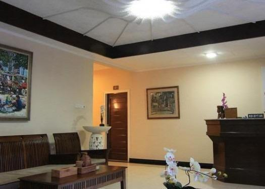 Catur Warga Hotel Lombok - Resepsionis