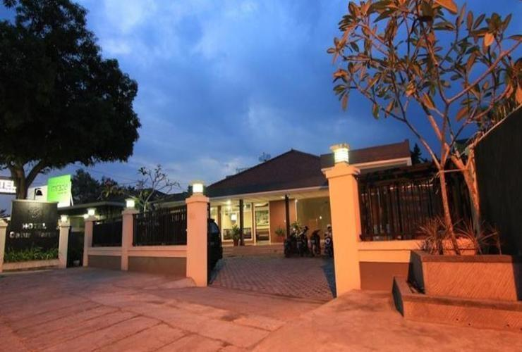 Catur Warga Hotel Lombok - View