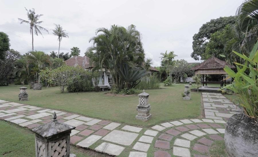 RedDoorz @Bidadari Seminyak Bali - Eksterior