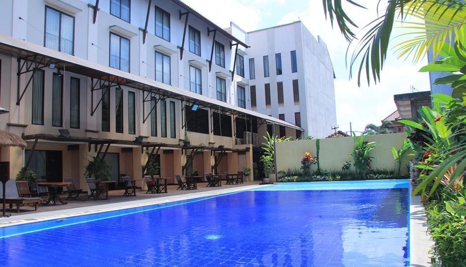 Grand Santhi Hotel Denpasar - Pool