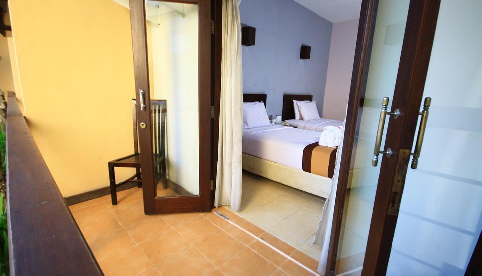 Grand Santhi Hotel Denpasar - Balcony