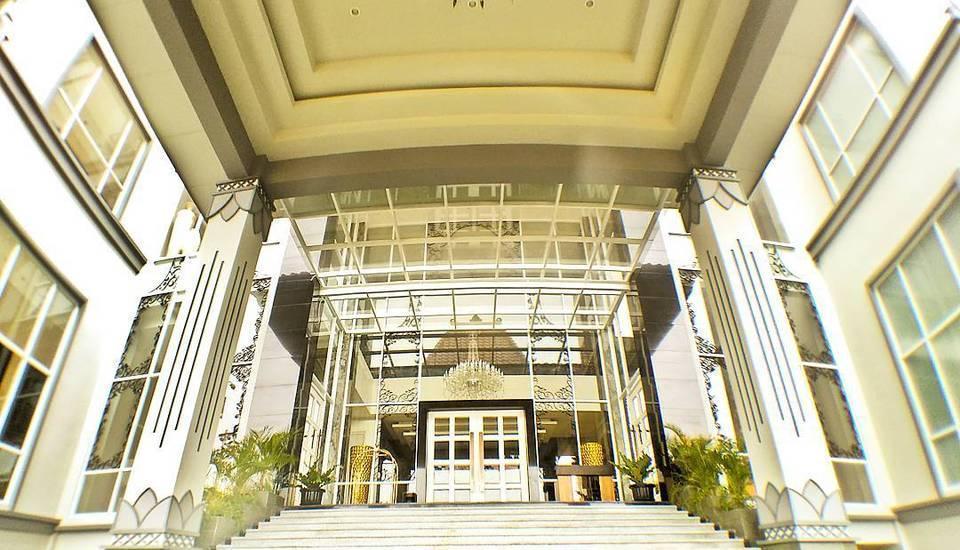 Grand Serela Hotel Yogyakarta - PINTU MASUK LOBBY