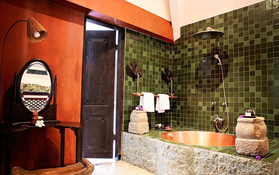 Hotel Tugu Lombok - Puri Dadap Merah Bathroom