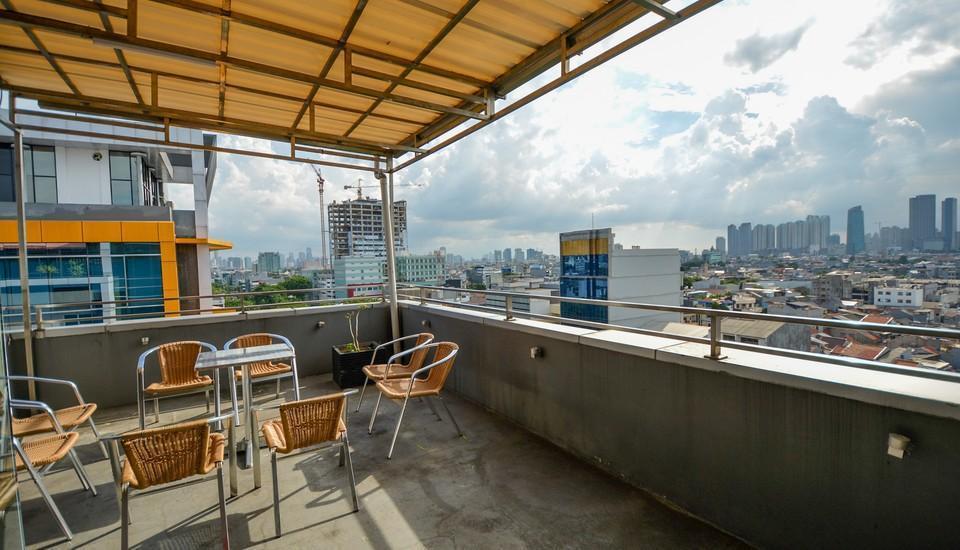 ZEN Rooms Cideng Timur Raya Jakarta - teras