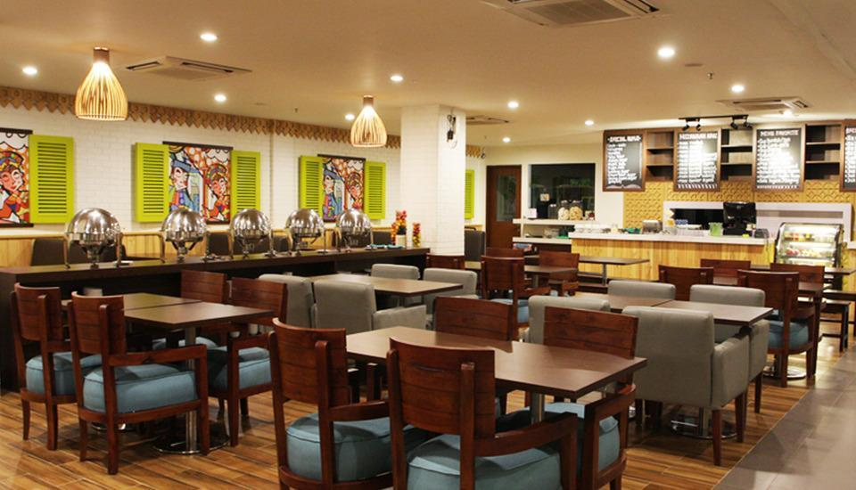 MaxOneHotels at Kramat Jakarta - restaurant
