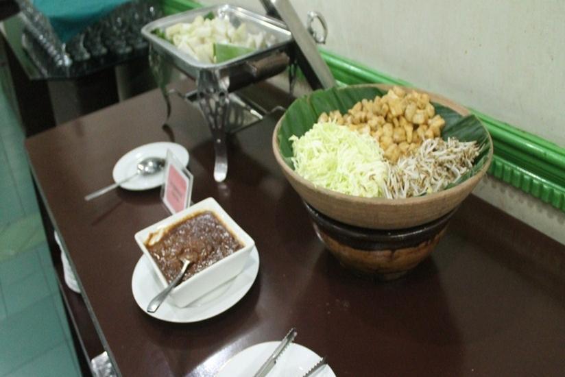 Hotel Inna Dharma Deli Medan - Menu