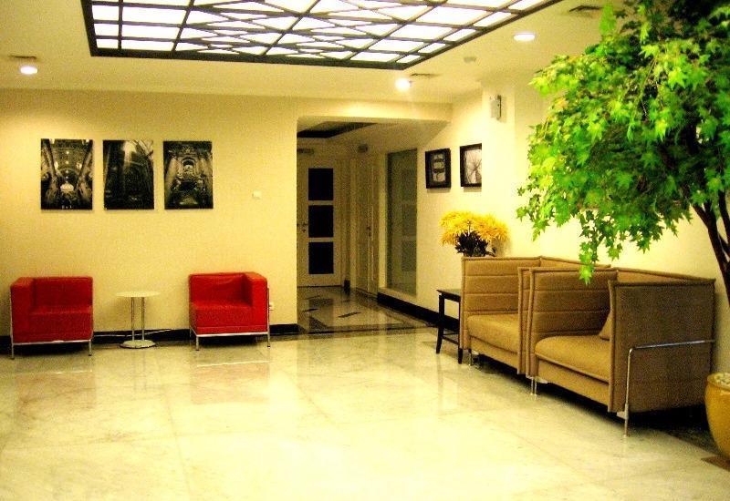 T Hotel Jakarta - lobi hotel