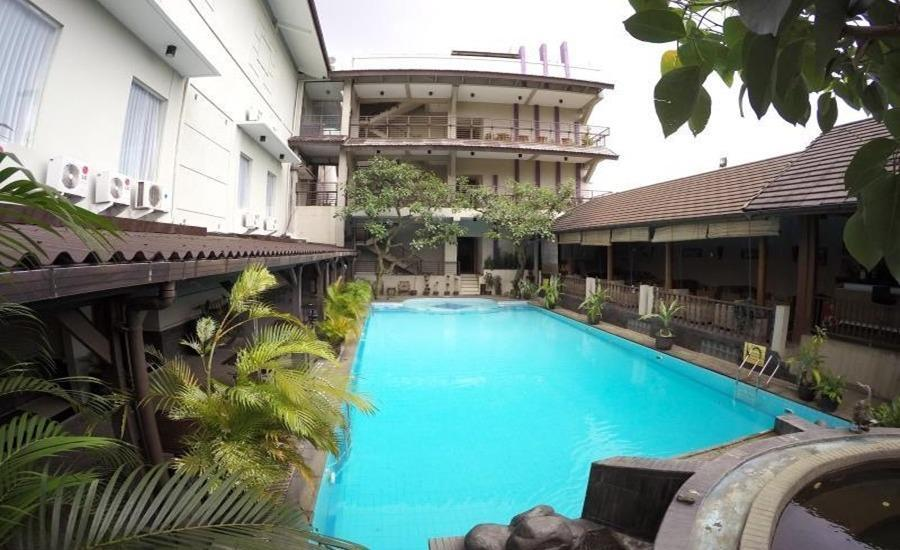 Grand Guci Hotel Bandung - Kolam Renang
