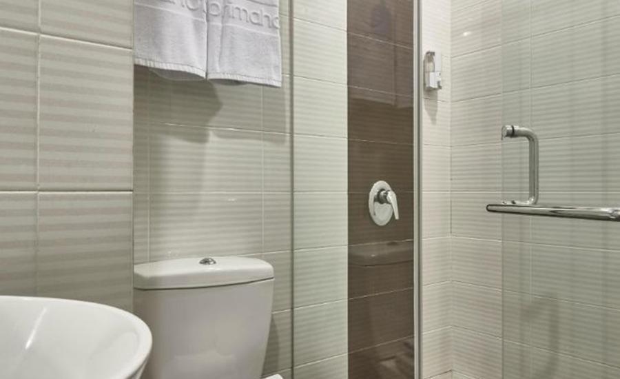 d'primahotel WTC Mangga Dua Jakarta - Bathroom