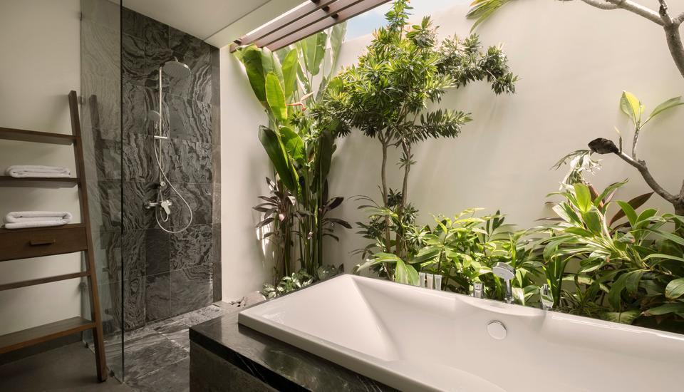 Akana Boutique Hotel Sanur Bali - Deluxe Kolam akses kamar mandi