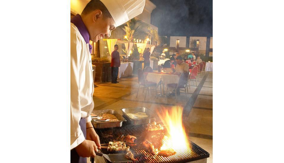 Hotel Grand Jatra Pekanbaru - BBQ