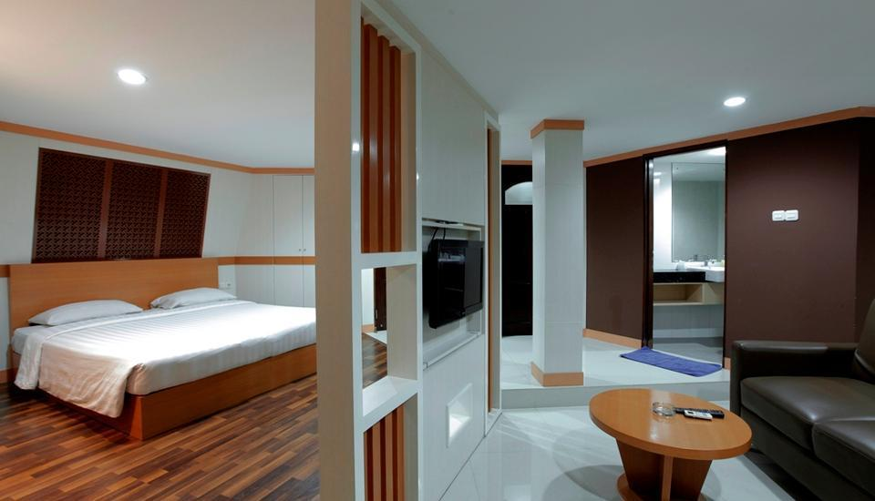 "Putri Duyung Ancol - Deluxe Suite ""Lantai Atas"" (Include Breakfast) Regular Plan"