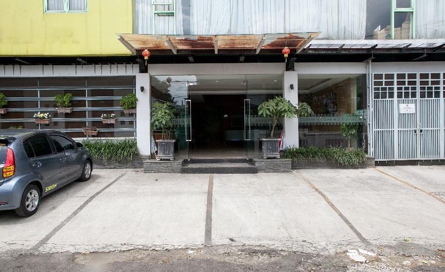 RedDoorz @Cassa Pasteur Bandung - Exterior