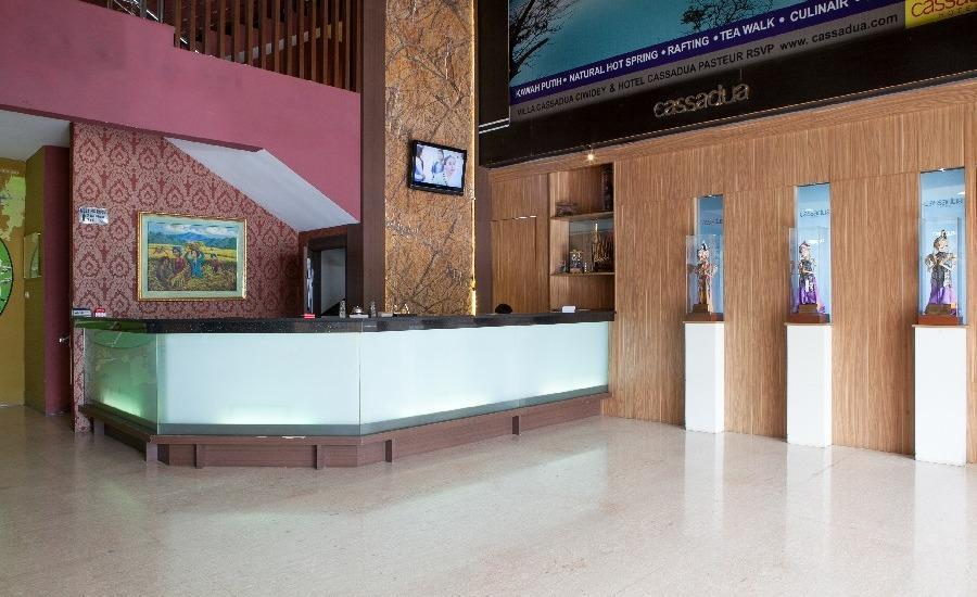 RedDoorz @Cassa Pasteur Bandung - Lobby