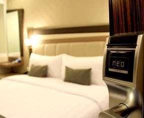 Hotel Neo Kuta Jelantik - Kamar tidur