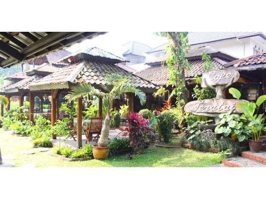 Taman Sari Hotel & Resort Sukabumi  Sukabumi - Teratai Cafe