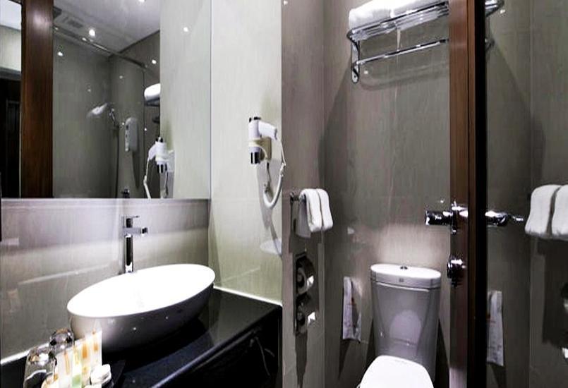 Nirwana Resort Hotel Bintan - Bathroom