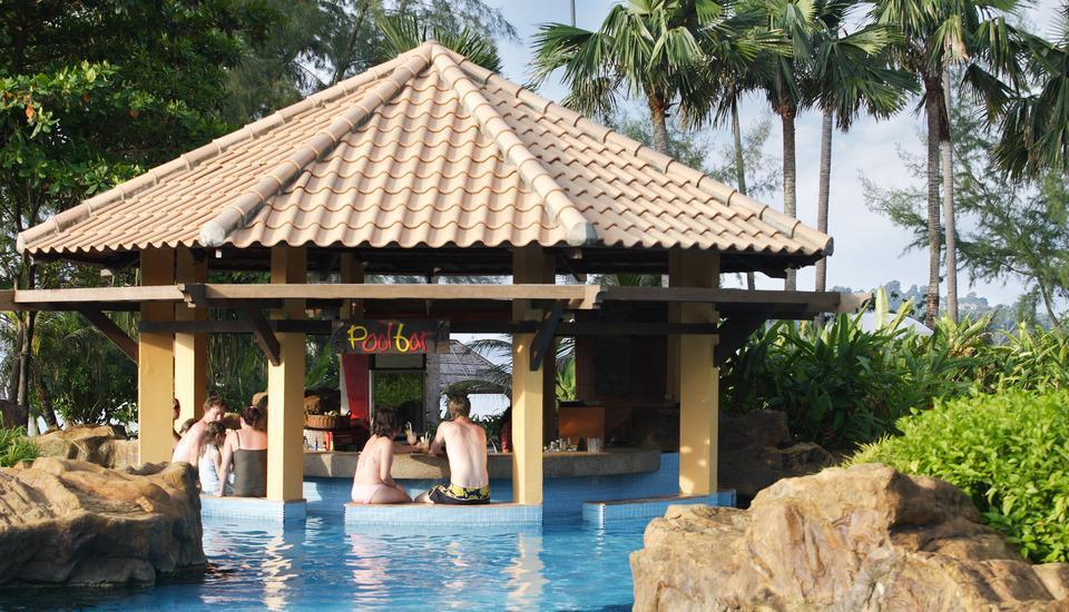 Nirwana Resort Hotel Bintan - Pool Bar