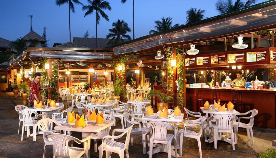Nirwana Resort Hotel Bintan - The Pool Side