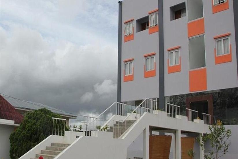 Prima Dini Hotel Bukittinggi - Tampilan Luar Hotel