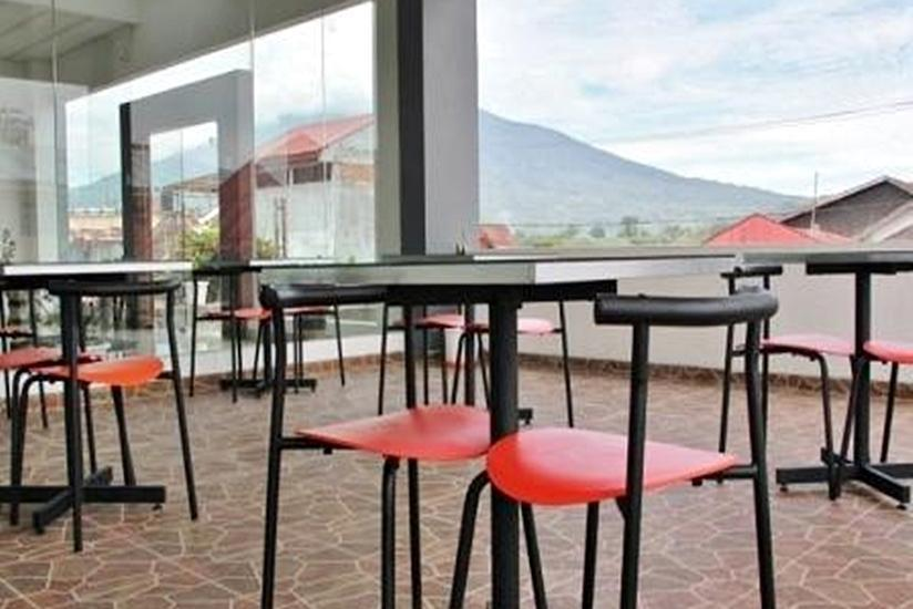 Prima Dini Hotel Bukittinggi - Resto Outdoor