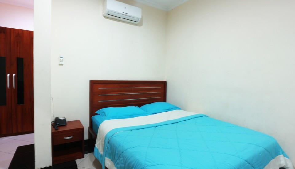 FR Guest House Jakarta - deluxe room 1