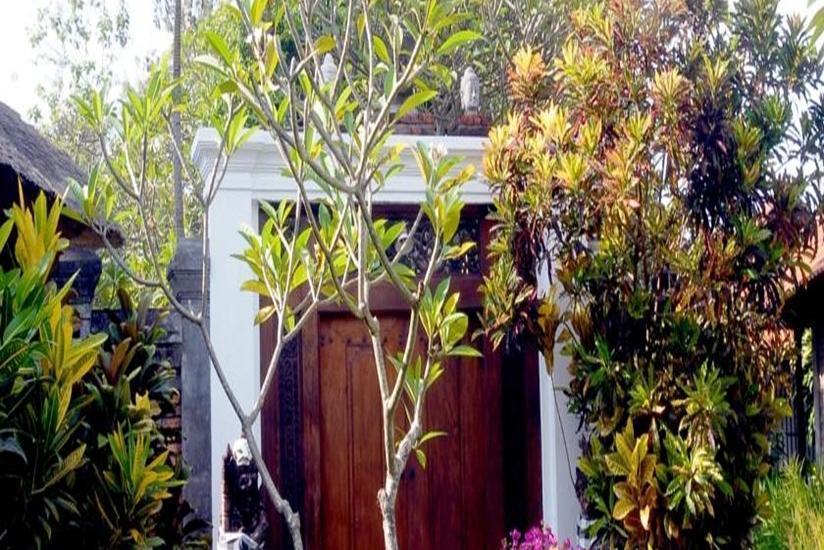 Puri Kelapa Garden Sanur - Eksterior