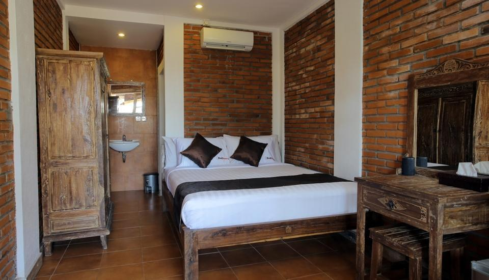 RedDoorz near Raya Semer Bali - RedDoorz Room Regular Plan