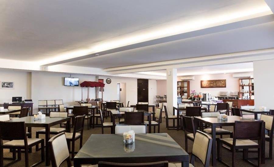 D'Season Premiere Jepara Jepara - Restoran