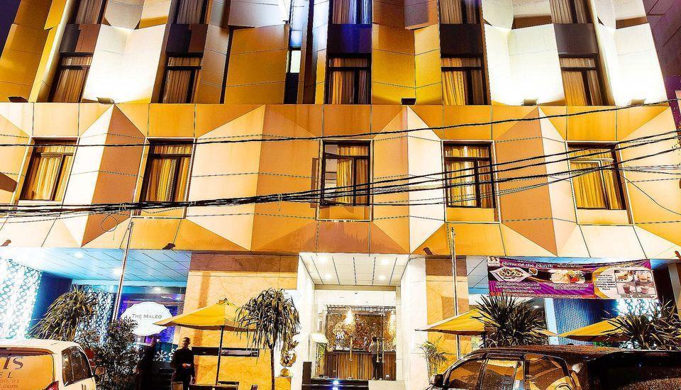 ZEN Premium Blok M Palatehan Jakarta - Penampakan Gedung