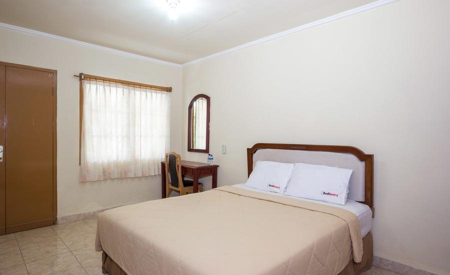 RedDoorz Cemara Beach Sunrise Bali - RedDoorz Room  Regular Plan