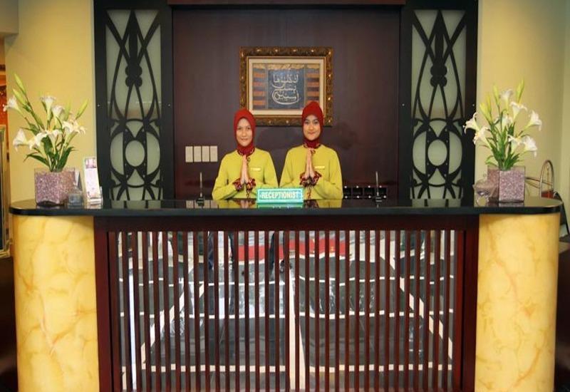 Montana Hotel Syariah Banjarmasin - Resepsionis
