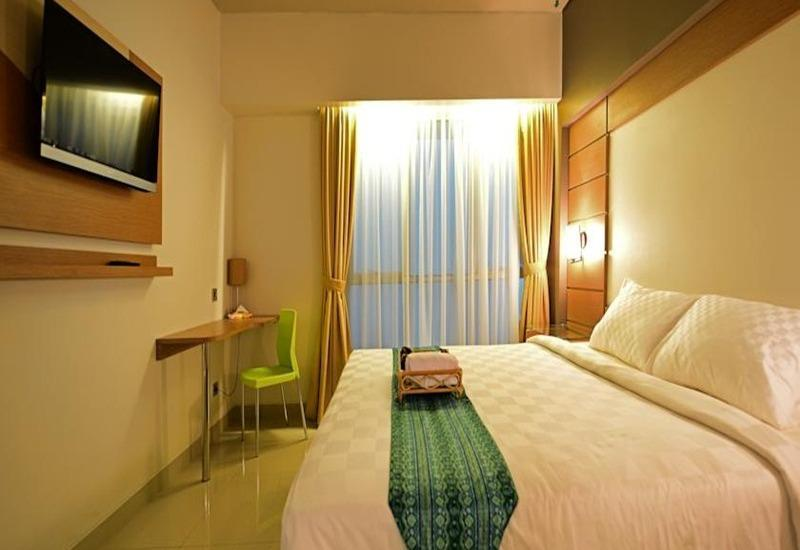 Montana Hotel Syariah Banjarmasin - Superior Double Room Regular Plan