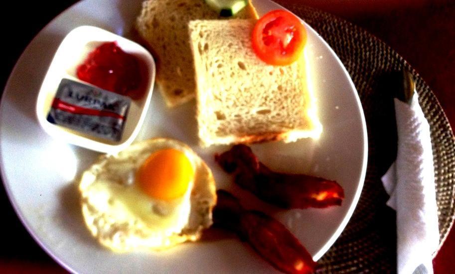 Abian Boga Guest House Bali - BREAKFAST