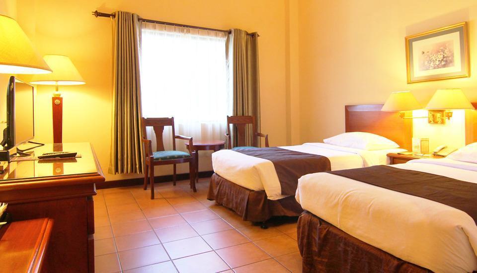 Narita Classic Hotel Surabaya - Deluxe Twin Regular Plan