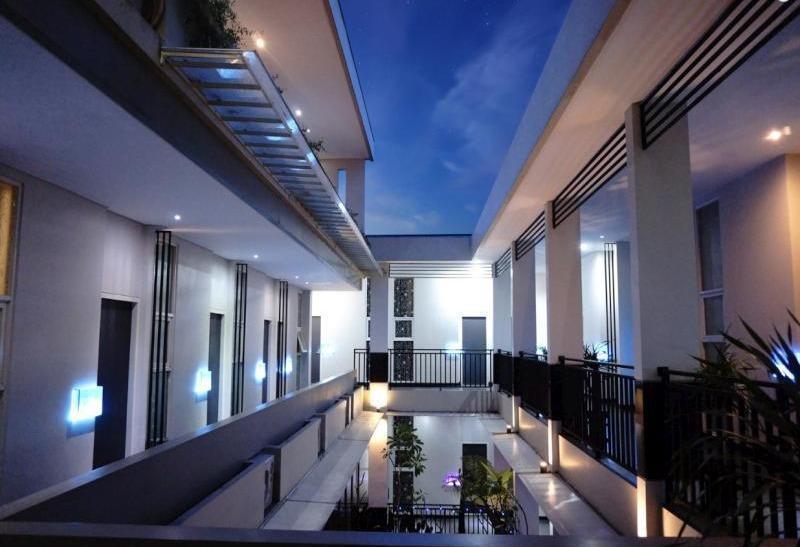 Morina Smart Hotel Malang - Pemandangan
