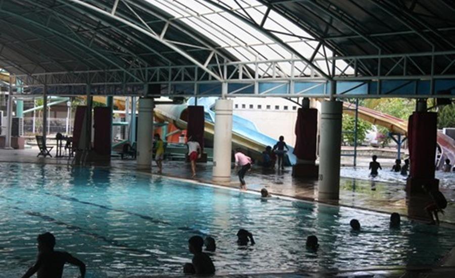 Hotel Sendang Sari Pekalongan - Kolam Renang