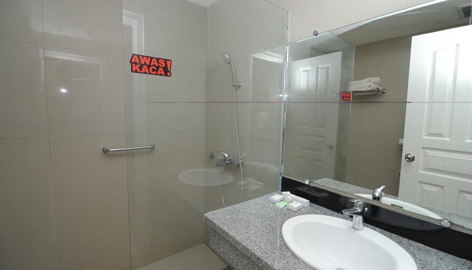 Sylvia Resort Komodo Flores - Kamar mandi
