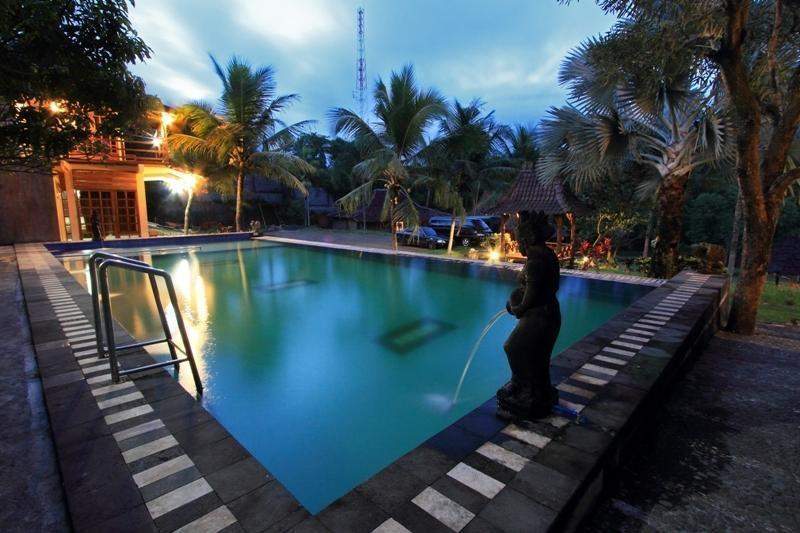 Paddy City Resort Malang - Pool