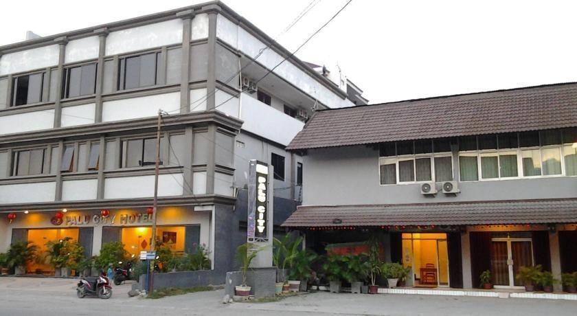 Palu City Hotel Palu - Exterior