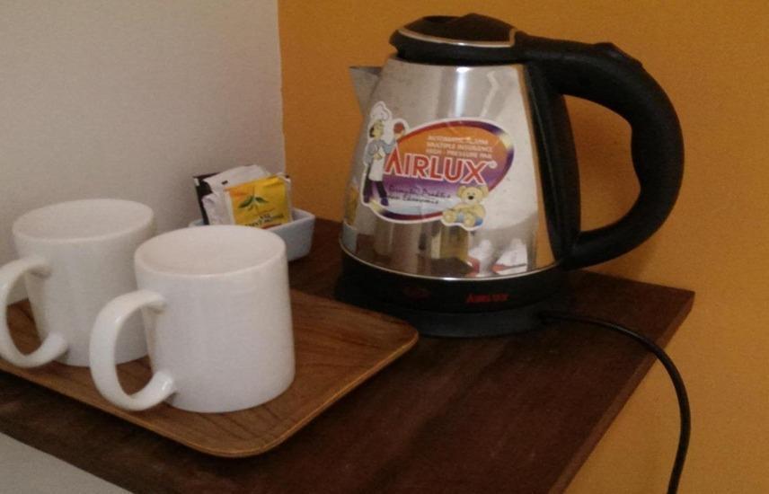 Adikara Renon Bali - Pembuat kopi dan teh