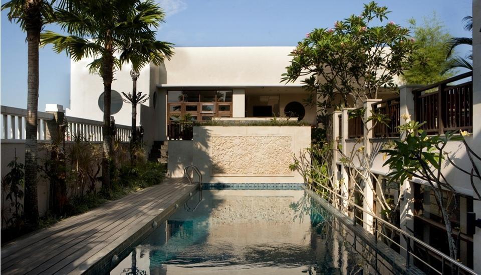 Hotel Santika Pontianak - Kolam Renang