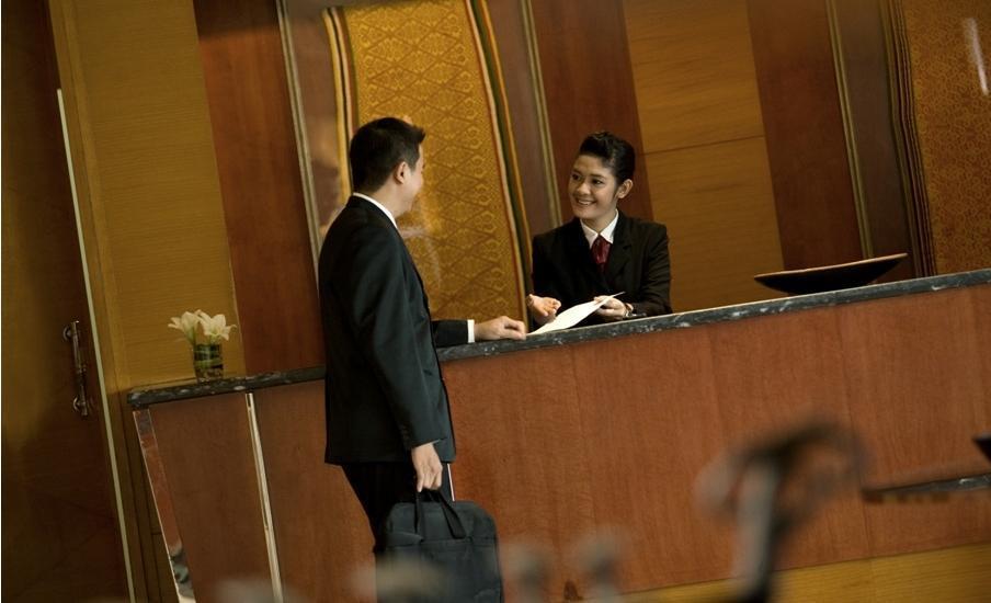 Hotel Santika Pontianak - Receptionist