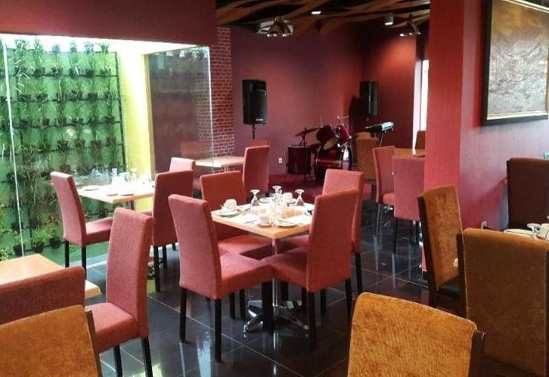 Durian Condotel Suite Makassar - Restoran