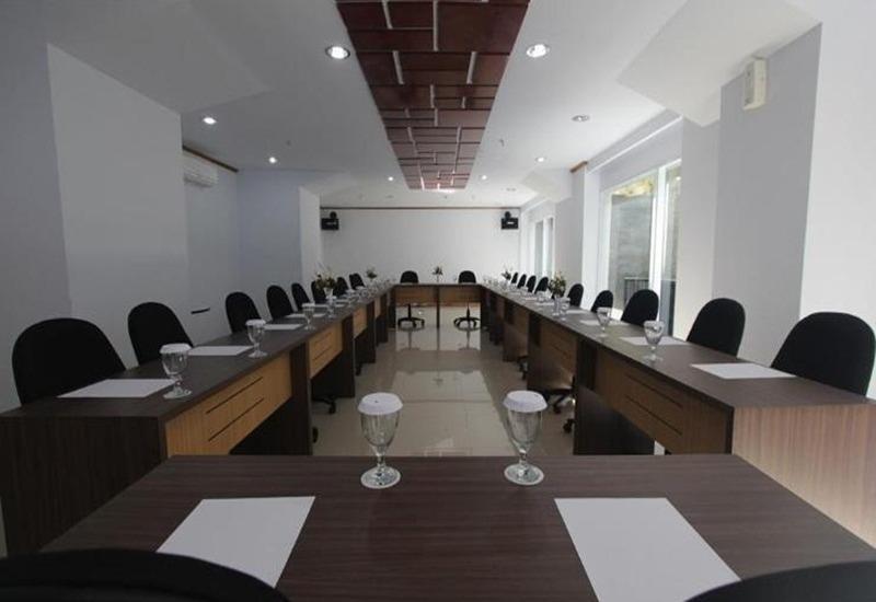 Durian Condotel Suite Makassar - Ruang Rapat